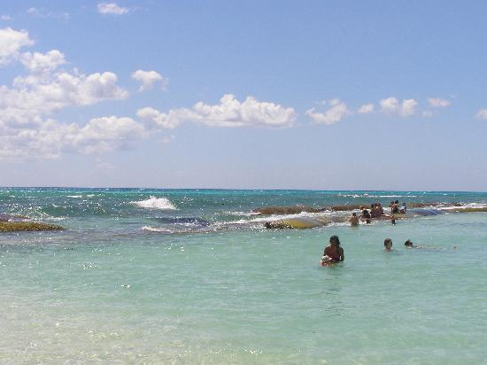 Sandos Caracol Eco Resort Énormes Roches À La Plage