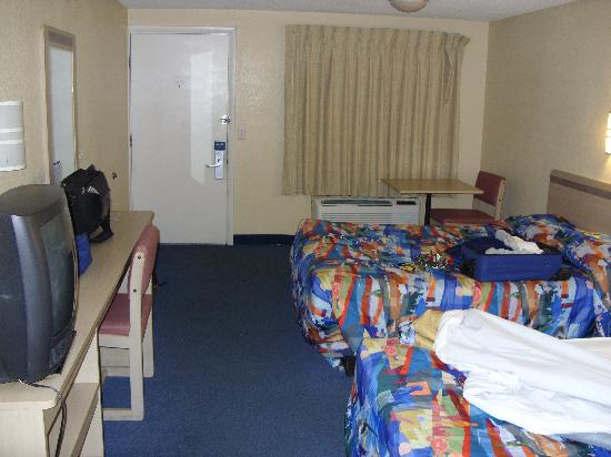Motel 6 Florence: Bed