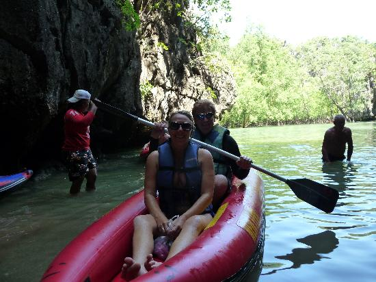 Stoney Monday Oasis Hotel: Canoeing by James Bond Island