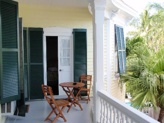 La Pensione Inn: Room 7 door from balcony to room