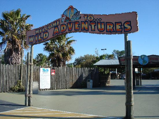 Wild Adventures Theme Park: Entrance sign