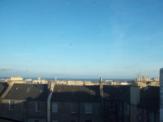 Holiday Inn Express - Edinburgh City Centre: View from my bedroom
