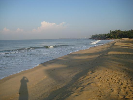 Kannur Beach House: The empty beach