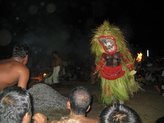 Kannur Beach House: Theyyam