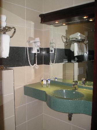 Best Western Plus Hotel Blue Square: bagno