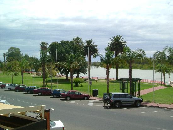 Renmark Hotel: view from balcony