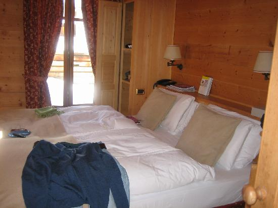 Breithorn Hotel: excuse the clothing - that was not left on the bed!