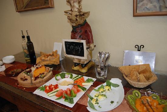 Healdsburg Inn - A Four Sisters Inn: wine and cheese reception