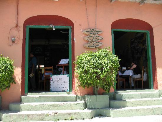 Cafe Arqueologico Yaxha: from outside