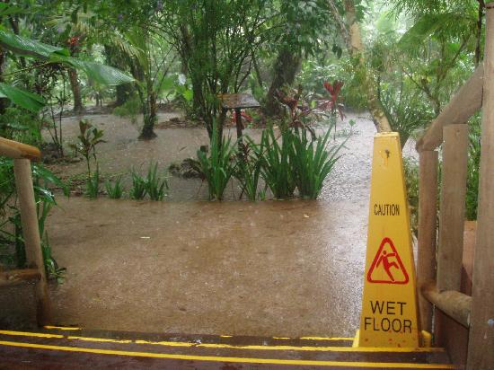 Pachira Lodge: Ironic signage, and this is the dry season!