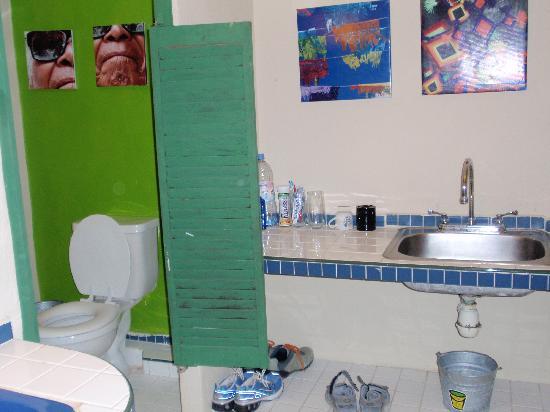 Hotel Copa : Hotel en Playa del Carmen: Baño, cocina, living