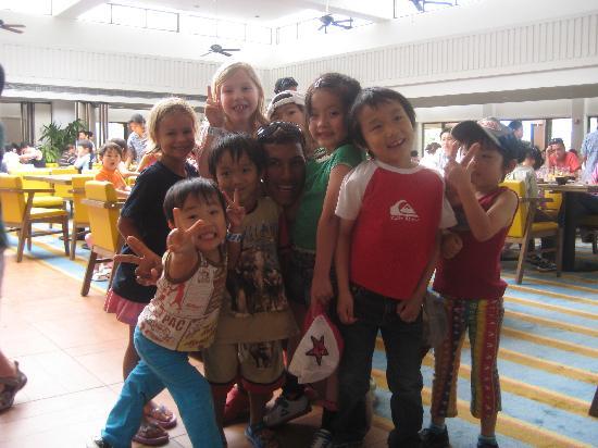 Pacific Islands Club Guam : キッズクラブで知りあった世界中の仲間。