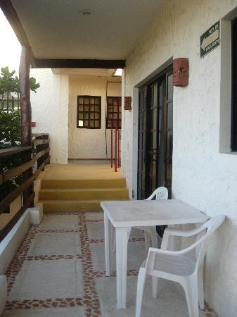 Hotel el Moro: Private tables outside rooms
