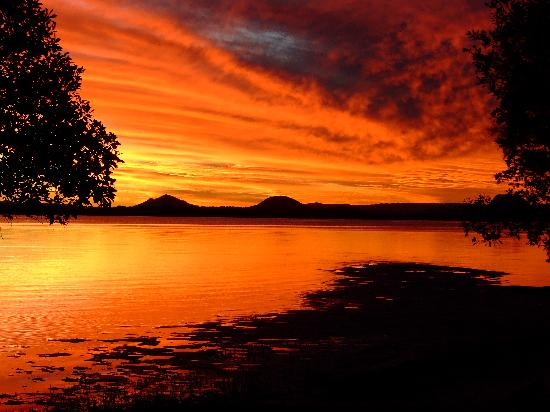 Bribie Island, Australia: Sunset over Pumicestone Passage & Glasshouse Mountains