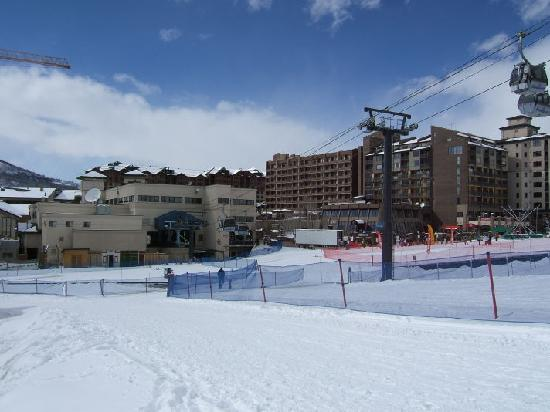 The Ptarmigan Inn: View from Hotel to Gondola