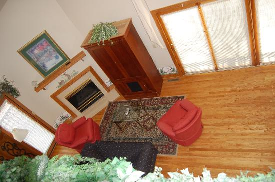 Waynesboro, Wirginia: looking down from the loft!