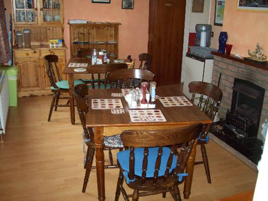 Broughshane B & B: Dining Room