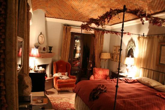 Casa Misha: La Delicia de la Habitación Parroquia