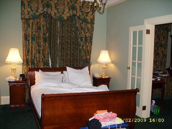 The Clifton & Grittleton Lodge: The Boudoir!