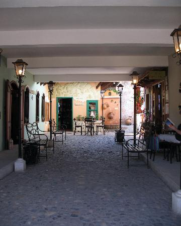 Yat B'alam Boutique Hotel: Hotel entrance