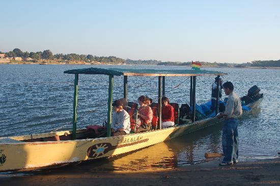 Chalalan Ecolodge: Chalalan motor boat