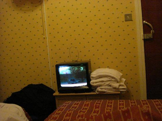 Oliver Hotel: Tv
