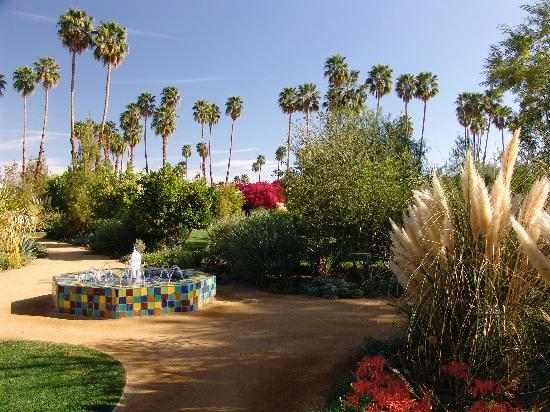 hotel front entrance picture of parker palm springs palm springs tripadvisor. Black Bedroom Furniture Sets. Home Design Ideas
