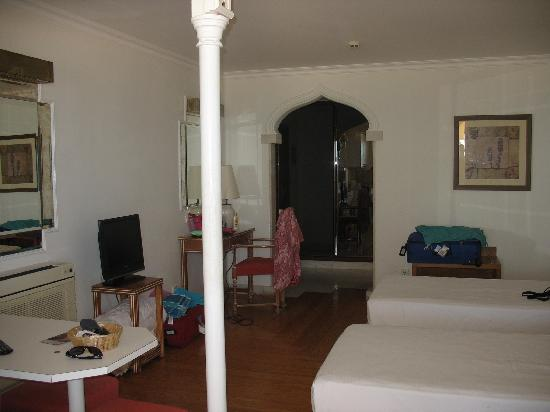 Hotel Oriental: Typical room