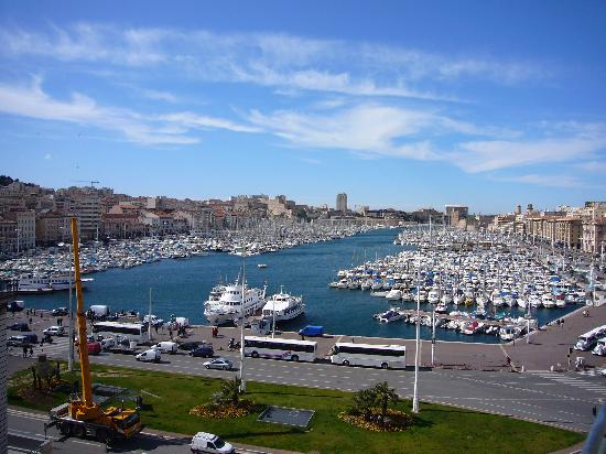 New Hotel Vieux Port: View from room of Vieux Port