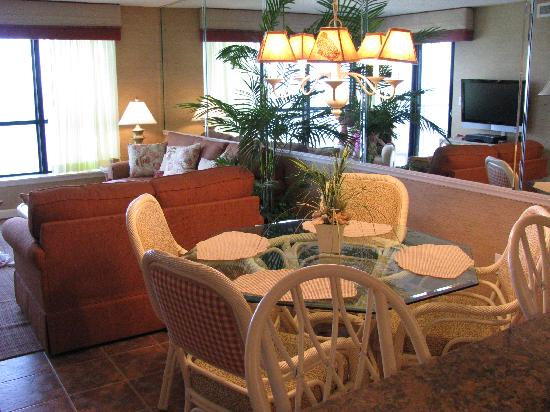 Dining Room / Living Room - Windemere 801
