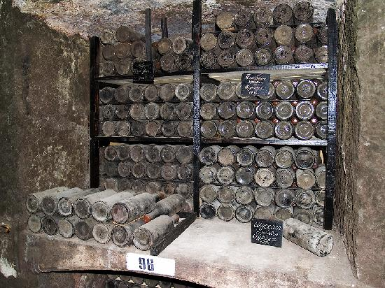 Massandra Winery: wine-cellar