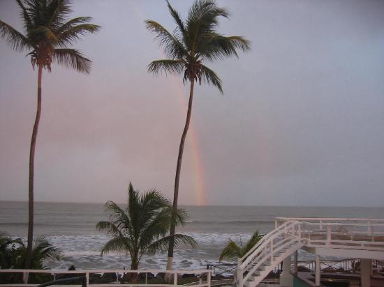 D' Coconut Cove Holiday Beach Resort: rainbow from my balcony