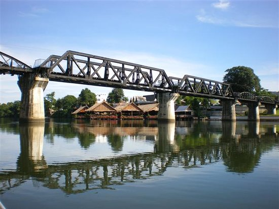 Kanchanaburi, Tailândia: Bridge over the River Kwai