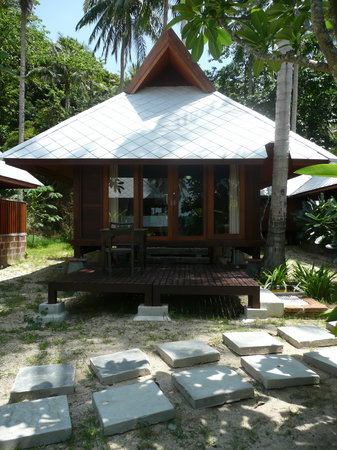 Koh Ngai Thanya Beach Resort: One of the cabins