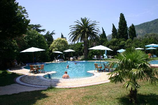 Hotel Rivijera: Riviera Pool and gardens