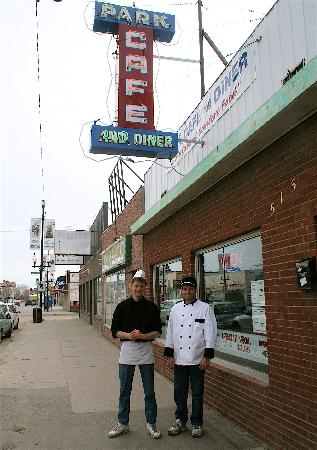 Park Cafe: proud owners, outside