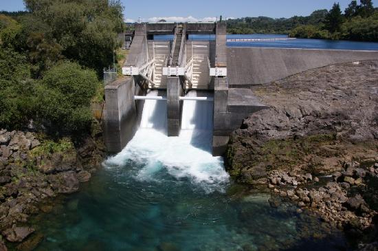 Aratiatia Dam, Taupo- gates are opened