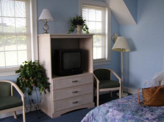 The Seaside Inn: Main room of unit