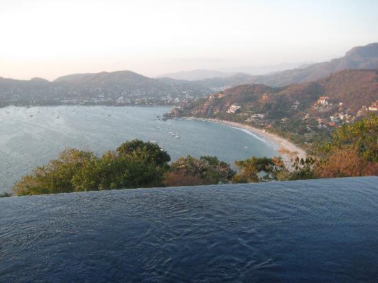 Villa Carolina Hotel: View from Emuleto restaurant!