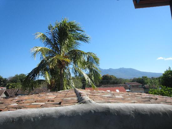 La Islita Boutique Hotel: mombacho volcano - from the roof terrace