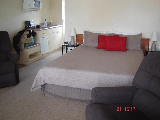 BEST WESTERN BK's Pioneer Motor Lodge: bedroom