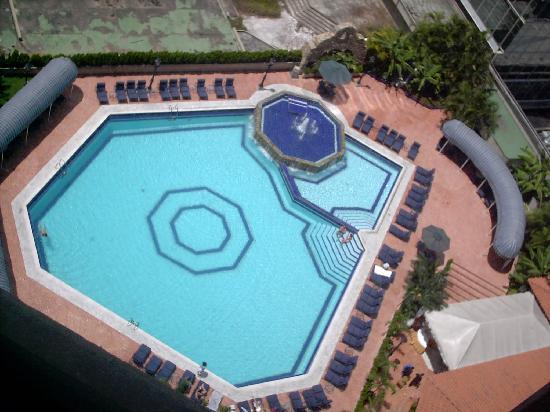 Gran Melia Caracas Hotel: vista de la piscina desde la habitacion