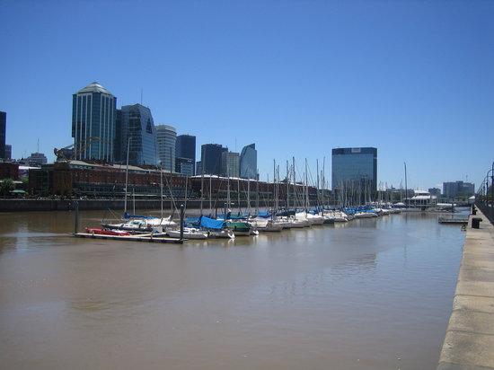 Buenos Aires, Argentina: En Puerto Madero