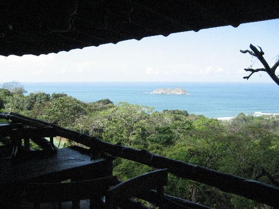 Hy Paradise Inn: le restaurant en face