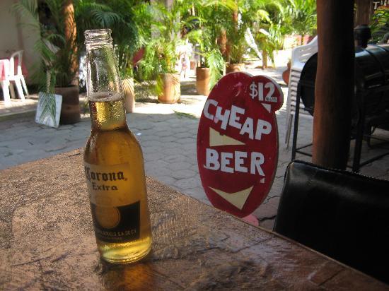 Villa Carolina Hotel: Cheap beer in town!
