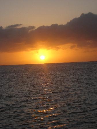 Sundancer Cabanas : Divine Sunsets