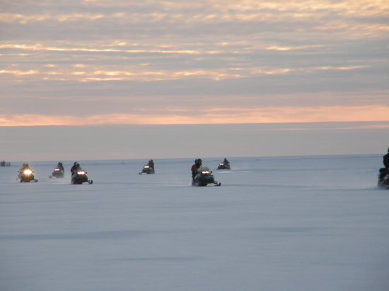Lapland, Finland: in motoslitta sul mare ghiacciato