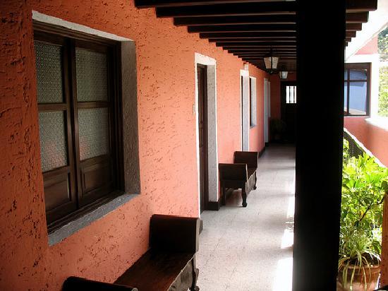 Hotel Posada San Pedro: Exterior hallway