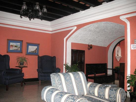 Hotel Posada San Pedro: Downstairs sitting area
