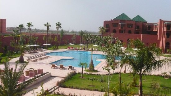 Palm Plaza Marrakech Hotel & Spa : Vue sur la piscine